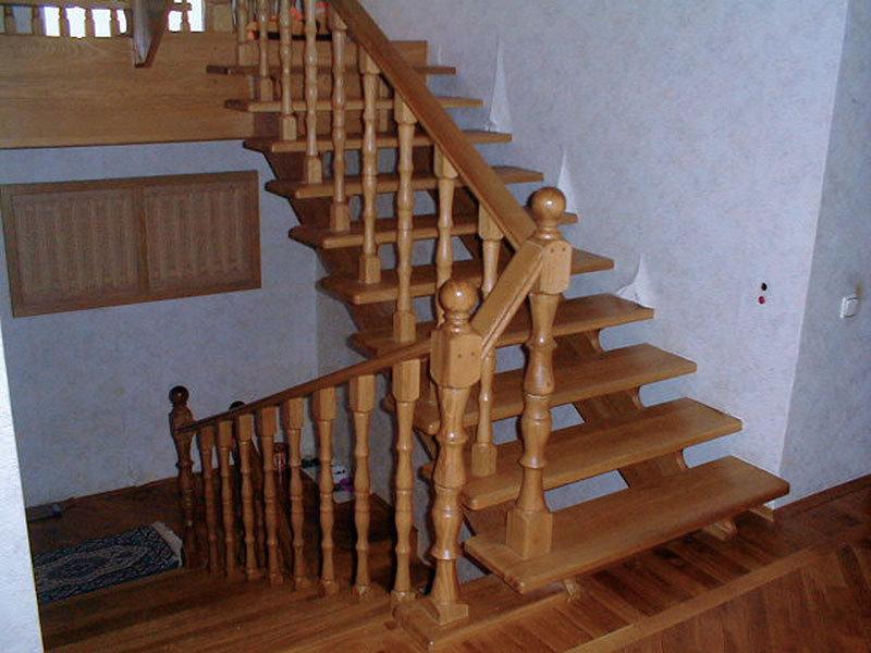 Лестница с поворотом на 90 своими руками фото