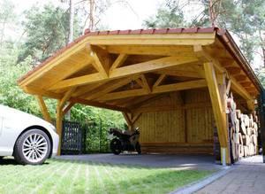 Навесы из дерева могут стать настоящим украшением участка